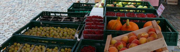 Sommerliches Angebot auf dem Wolfacher Wochenmarkt